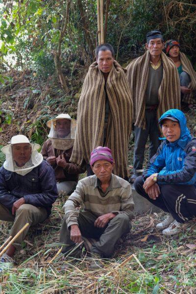1-honey-hunting-himalayas-mountain-team