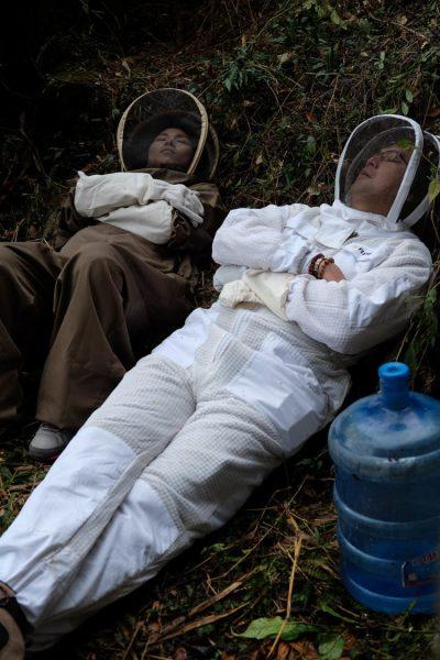 11-honey-hunting-himalayas-mountain-gear