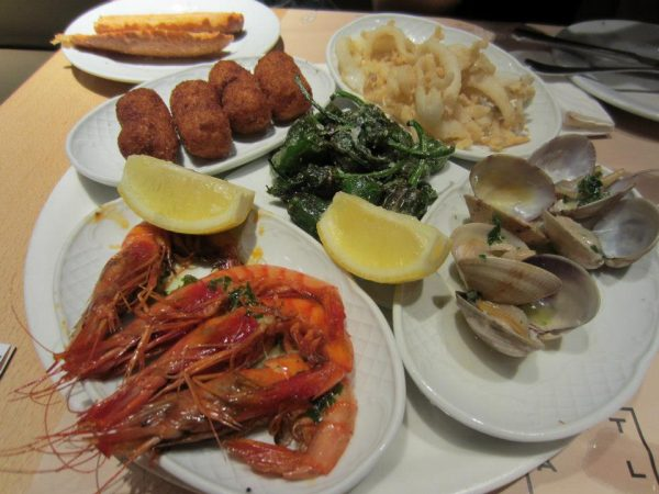 Cerveceria Catalana, a seafood tapas meal in Barcelona, Spain